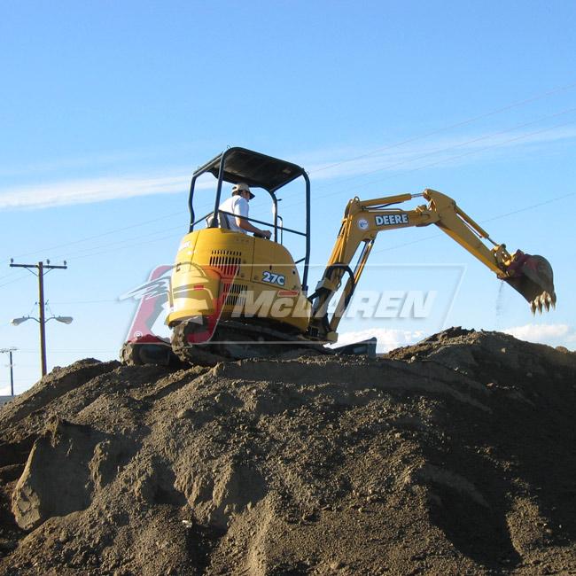 Maximizer rubber tracks for Bobcat E25